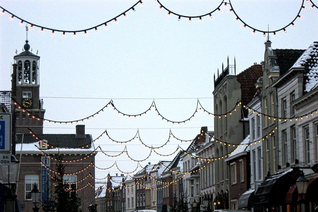 Bottermarkt, Heusden, the Netherlands, Brabant, town hall, christmas decoration, snow