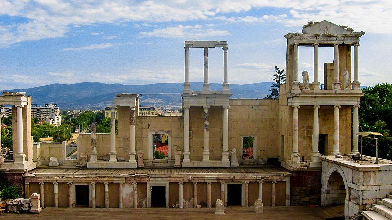 Roman amphitheater, Plovdiv, Bulgaria, roman columns