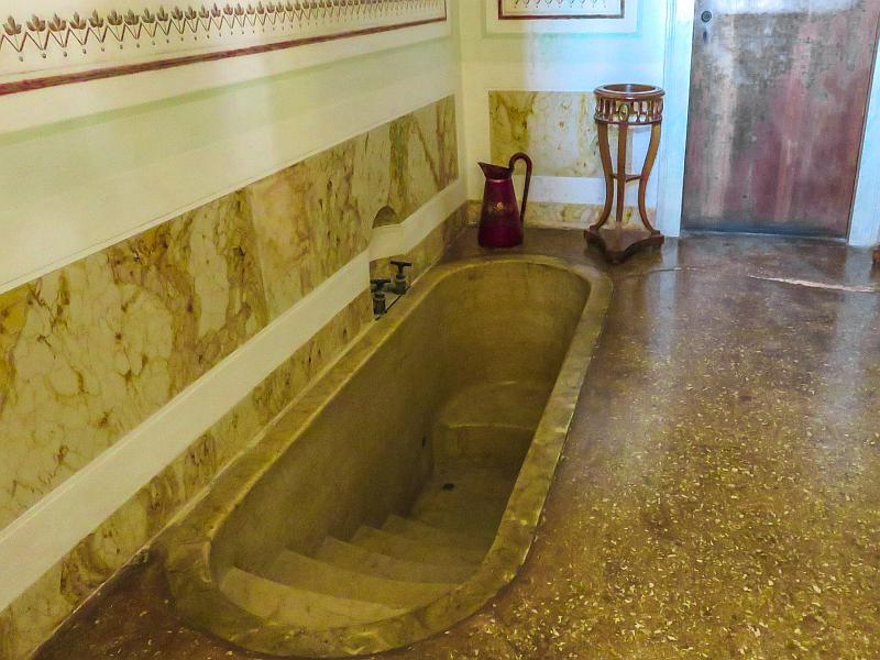 recessed bath in the ensuite bathroom to Napoleon's apartment in villa Pisani in Italy